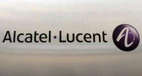 <p>Alcatel-Lucent a remporté un contrat de 90 millions d'euros auprès de Tele Greenland pour déployer un réseau de câble sous-marin de 4.600 km entre le Groenland et le Canada. /Photo prise le 31 octobre 2007/REUTERS/Benoît Tessier</p>