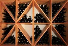 <p>Sommelier francês degusta 1.000 vinhos por semana. Quantos vinhos a maioria de nós pode saborear ao longo da vida? Mais de mil? Olivier Poussier degustou sozinho esse número de vinhos ao longo de somente 10 dias do mês passado. Foto do Arquivo. Photo by Fatih Saribas</p>