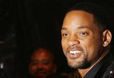 """<p>Will Smith arrives for the premiere of the film """"I Am Legend"""" in New York December 11, 2007. REUTERS/Lucas Jackson</p>"""