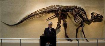 <p>Director and CEO of the Royal Ontario Museum, William Thorsell, attends the opening of the museum's New Age of Dinosaurs and Age of Mammals exhibit in Toronto December 12, 2007. REUTERS/Fred Thornhill</p>