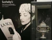 <p>A silver cup which belonged to opera singer Maria Callas is displayed at the Sotheby's house auction in downtown Milan, December 6, 2007. REUTERS/Alessandro Garofalo</p>