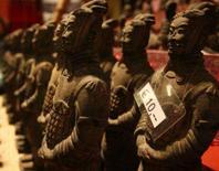 <p>A China confirmou na quinta-feira que os supostamente antigos guerreiros de terracota chineses expostos num museu alemão são falsificações e condenou os organizadores da exposição por ludibriar o público. Photo by Christian Charisius</p>