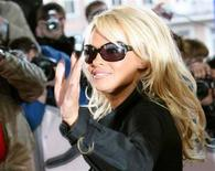 <p>Una immagine di archivio di Pamela Anderson. REUTERS/Denis Sinyakov</p>