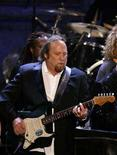 <p>Musician Stephen Stills performs during the 22nd annual Rock and Roll Hall of Fame induction ceremony at the Waldorf Astoria Hotel in New York March 12, 2007. REUTERS/Lucas Jackson</p>