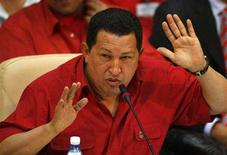 <p>Venezuela's President Hugo Chavez addresses the audience during a summit of Petrocaribe in Cienfuegos, Cuba December 21, 2007. A dozen heads of state are gathering to attend the opening of a Soviet-era refinery that was refurbished by Venezuelan state oil company PDVSA.REUTERS/Claudia Daut</p>