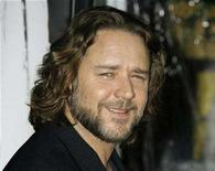 """<p>Russell Crowe poses at the Los Angeles premiere of his new film """"American Gangster"""" in Hollywood, California October 29, 2007. Crowe is fighting a new gladiatorial combat to wean his countrymen off their addiction to gambling machines. REUTERS/Fred Prouser</p>"""