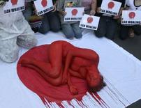 <p>La protesta inscenata a Melbourne contro le baleniere giapponesi. REUTERS/Animal Liberation Victoria/Handout (AUSTRALIA). EDITORIAL USE ONLY. NOT FOR SALE FOR MARKETING OR ADVERTISING CAMPAIGNS.</p>