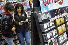 <p>A woman and her daughter who are tourists shop for music CDs at a Virgin Megastore in Times Square in New York in this file photo from Nov. 21, 2007. REUTERS/Jacob Silberberg</p>