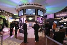 <p>Le Consumer Electronics Show (CES), principal salon de l'électronique grand public qui s'ouvre cette semaine à Las Vegas, pourrait subir les effets des turbulences qui agitent les marchés financiers. /Photo prise le 5 janvier 2008/REUTERS/Steve Marcus</p>