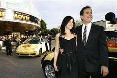 "<p>Jerry Seinfeld and his wife Jessica, pose at the premiere of ""Bee Movie"" at Mann Village theatre in Westwood, California in this file photo from October 28, 2007. REUTERS/Mario Anzuoni</p>"