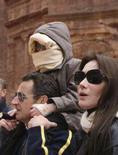 <p>Sarkozy diz que namoro com Carla Bruni é 'sério'. O presidente da França, Nicolas Sarkozy, afirmou nesta terça-feira que seu relacionamento com a cantora e ex-modelo italiana Carla Bruni é sério, mas evitou dar uma data de casamento. 5 de janeiro. Photo by Yousef Allan</p>