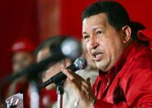 <p>Chávez afirma que conflito na Colômbia não tem solução militar. O presidente venezuelano, Hugo Chávez, disse no sábado que o conflito interno na Colômbia não será resolvido com força militar, e pediu que seja reconhecido o status político da guerrilha. 11 de janeiro. Photo by Reuters (Handout)</p>