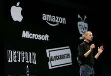 "<p>L'amministratore delegato di Apple, Steve Jobs, alla ""Macworld Convention and Expo"", a San Francisco. REUTERS/Robert Galbraith (UNITED STATES)</p>"