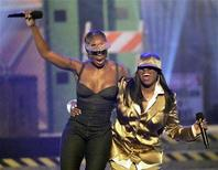 """<p>Mary J. Blige (L) and Missy Elliott perform during the 2006 BET Awards at the Shrine Auditorium in Los Angeles June 27, 2006. Missy Elliott has popped up here and there in the past few years (namely, in a Doritos ad campaign), but there hasn't been much in the way of new music from her since 2005's """"The Cookbook."""" REUTERS/Mario Anzuoni</p>"""