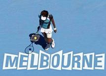 <p>Venus Williams in campo contro la serba Ana Ivanovic a Melbourne. REUTERS/Steve Holland</p>