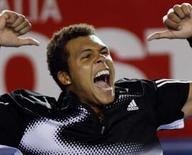 <p>Tenista francês Jo-Wilfried Tsonga comemora vitória na semifinal do Aberto da Austrália sobre o espanhol Rafael Nadal, nesta quinta-feira. Photo by Darren Whiteside</p>