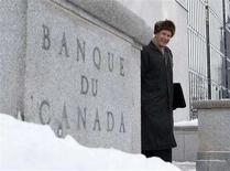 <p>Outgoing Bank of Canada Governor David Dodge leaves his office for a news conference upon the release of the Monetary Policy Report in Ottawa January 24, 2008. REUTERS/Chris Wattie</p>