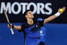 <p>Сербский теннисист Новак Джокович в финале турнира Australian Open в Мельбурне, 27 января 2008 года. Сербский теннисист Новак Джокович в воскресенье стал победителем турнира Australian Open, обыграв француза Жо-Уилфрида Тсонга. (REUTERS/Tim Wimborne)</p>
