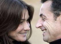 <p>Il presidente francese Nicolas Sarkozy e Carla Bruni durante la loro vacanza al Cairo, nel dicembre 2007. REUTERS/Nasser Nuri</p>