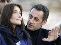 <p>Imagem de arquivo da modelo italiana Carla Bruni (esquerda) e do presidente francês, Nicolas Sarkozy. Sarkozy, casou-se neste sábado com a modelo e cantora Carla Bruni na residência oficial. Photo by Nasser Nuri</p>
