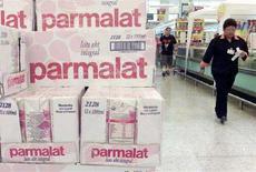 <p>Confezioni di latte Parmalat in un supermercato. REUTERS/Bruno Domingos/Files</p>