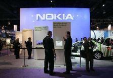 <p>Uno stand Nokia a una fiera. REUTERS/Steve Marcus</p>