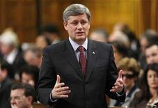 <p>Prime Minister Stephen Harper stands to speak during Question Period in the House of Commons on Parliament Hill in Ottawa February 6, 2008. REUTERS/Chris Wattie</p>