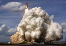 <p>O ônibus espacial Atlantis decolou na quinta-feira da Flórida com a missão de entregar um laboratório europeu permanente para a Estação Espacial Internacional. Foto no Cabo Canaveral, Flórida, 7 de fevereiro. Photo by Scott Audette</p>