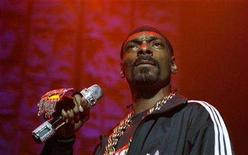 "<p>Rapper Snoop Dogg performs during the J.A.M Awards concert in honor of the late hip-hop icon Jam Master Jay and to benefit his Foundation for Music in New York November 29, 2007. With the video for ""Sensual Seduction"" as its lead-in, Snoop Dogg's new album, ""Ego Trippin',"" has been bumped to a March 11 release by Interscope, which originally planned to put it out in May. REUTERS/Lucas Jackson</p>"