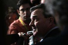 <p>Canada's Finance Minister Jim Flaherty speaks to journalists following Question Period on Parliament Hill in Ottawa February 11, 2008. REUTERS/Chris Wattie</p>