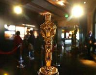 "<p>An Oscar statuette is shown at the ""Meet the Oscars"" display in Hollywood, California, February 13, 2008. The Oscars will be given out February 24. REUTERS/Mario Anzuoni</p>"