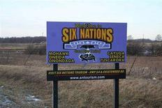 <p>A sign at the entrance of the Six Nations of the Grand River reserve in southwestern Ontario, Canada, January 31, 2008. REUTERS/Julie Gordon</p>