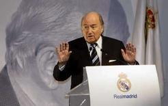 <p>Presidente da Fifa, Joseph Blatter, discurssa durante homenagem ao ex-jogador do Real Madrid Alfredo Di Stefano em Madri, no domingo. Photo by Andrea Comas</p>