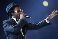 """<p>Will.i.am performs """"Record of the Year Mash Up"""" at the 50th Annual Grammy Awards in Los Angeles February 10, 2008. REUTERS/Mike Blake</p>"""