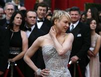 <p>Actress Rene Zellweger arrives at the 80th annual Academy Awards, the Oscars, in Hollywood, February 24, 2008. REUTERS/Lucas Jackson</p>