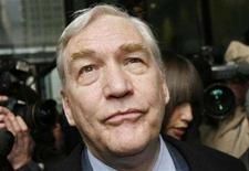 <p>Conrad Black leaves the Derksen Federal Courthouse after his sentencing hearing in Chicago December 10, 2007. REUTERS/John Gress</p>