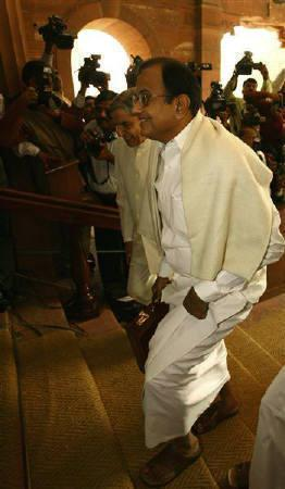 Finance Minister Palaniappan Chidambaram arrives at the parliament to present the federal budget 2008-09 in New Delhi February 29, 2008. REUTERS/B Mathur
