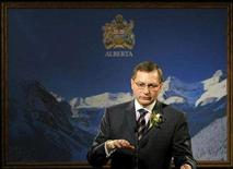 <p>Alberta Premier Ed Stelmach speaks to the media as he announced an election in Alberta, February 4, 2008. REUTERS/Dan Riedlhuber</p>