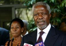 <p>O mediador e ex-secretário-geral da ONU, Kofi Annan, fala à imprensa em Nairóbi, neste domingo. O Quênia tem 'um longo caminho pela frente' para que o acordo de partilha do poder entre o governo e a oposição tenha êxito, disse o mediador Kofi Annan no domingo, quando deixou Nairóbi após seis semanas de negociações exaustivas. Photo by Thomas Mukoya</p>