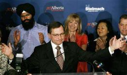 <p>Alberta premier Ed Stelmach thanks conservative supporters at a post election party Monday night in Calgary, Alberta, March 3, 2008. REUTERS/Todd Korol</p>