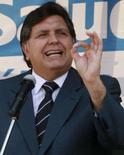 <p>O presidente peruano, Alan García, durante discurso em Lima. García, afirmou na terça-feira que a Venezuela não deveria acrescentar fogo ao conflito entre Equador e Colômbia. Photo by Reuters (Handout)</p>