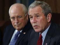 """<p>Des électeurs de deux villes du Vermont, Brattleboro et Marlboro, ont approuvé une mesure demandant à la police d'arrêter le président George Bush et le vice-président Dick Cheney pour """"crimes contre la Constitution"""". /Photo prise le 29 janvier 2008/REUTERS/Jim Young</p>"""