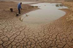 <p>La siccità nella provincia cinese di Jiangxi. REUTERS/Stringer (CHINA)</p>