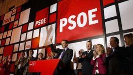 <p>Socialistas vencem na Espanha mas não obtêm maioria absoluta.  O Partido Socialista espanhol venceu as eleições de domingo, mas não conseguiu a maioria absoluta que poderia ajudá-los a agir mais rapidamente para proteger a economia de uma desaceleração.  9 de março. Photo by Alessandro Bianchi</p>