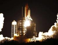 <p>The space shuttle Endeavour lifts off on Mission STS-123 at the Kennedy Space Center in Cape Canaveral, Florida March 11, 2008. REUTERS/Joe Skipper</p>
