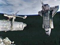 <p>Immagine Nasa dello Space Shuttle Endeavour che si avvicina alla Stazione Spaziale Internazionale. REUTERS/NASA TV. FOR EDITORIAL USE ONLY. NOT FOR SALE FOR MARKETING OR ADVERTISING CAMPAIGNS..</p>