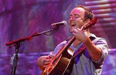 "<p>Dave Matthews performs during the 2007 ""Farm Aid"" concert in New York September 9, 2007. REUTERS/Lucas Jackson</p>"