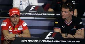 <p>Massa e Coulthard levam atrito da Austrália para a Malásia. Felipe Massa e David Coulthard mantiveram na quinta-feira o clima de atrito depois da colisão de domingo na abertura da temporada da Fórmula 1, na Austrália. 20 de março. Photo by Zainal Abd Halim</p>