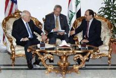 <p>Dick Cheney com Nouri Al-Maliki em visita ao Iraque REUTERS. Photo by Reuters (Handout)</p>