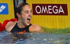 <p>Holandesa Marleen Veldhuis comemora após vitória na final dos 50m livre do Campeonato Europeu de natação, em Eindhoven, nesta segunda-feira. Photo by Damir Sagolj</p>